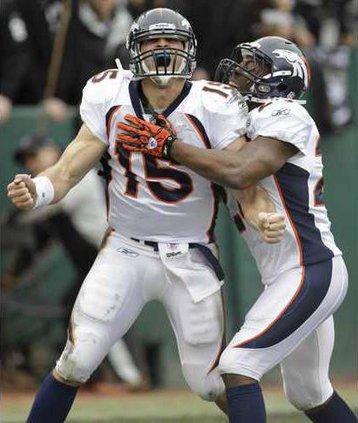 Broncos Raiders Footb Heal