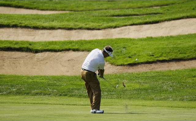 Golf 3 col BW