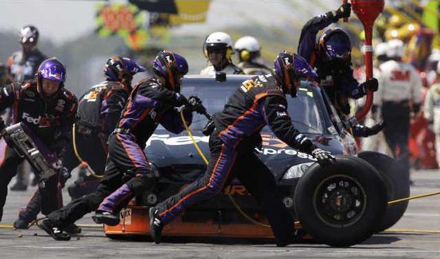 NASCAR 3 col BW