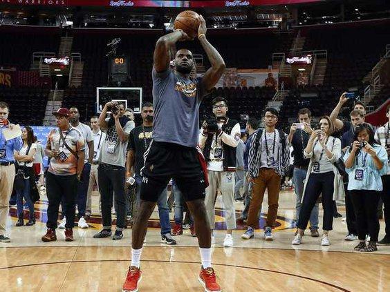 WEB NBA Finals Cavaliers  Heal 7