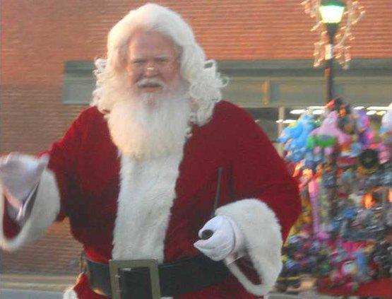 W Reg Santa