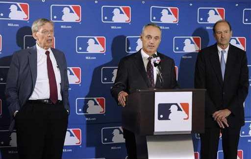 Commisioner Baseball Heal WEB