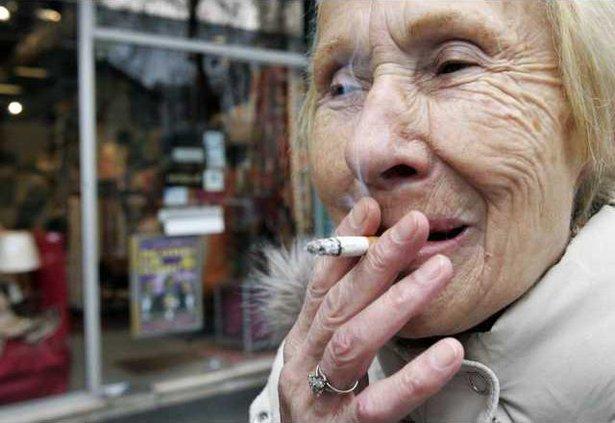 FRANCE SMOKING BAN 5333133