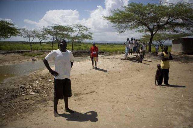 Haiti Boat People X 5671622