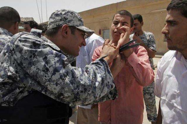 Iraq Prisoner Relea 5240735