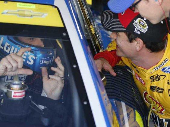 NASCAR Martinsville A Heal WEB