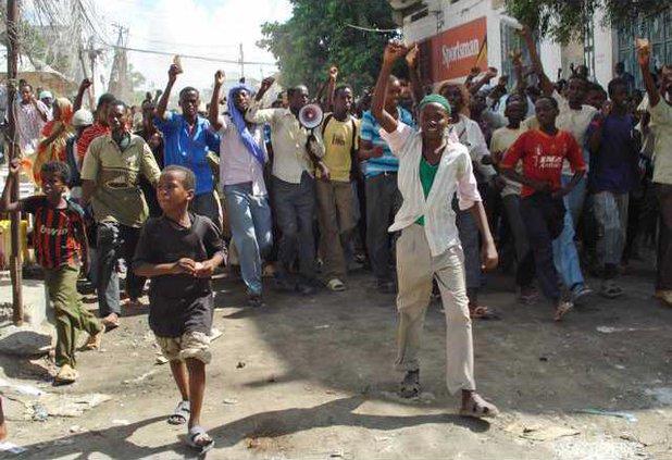 SOMALIA FOOD RIOT N 5177366