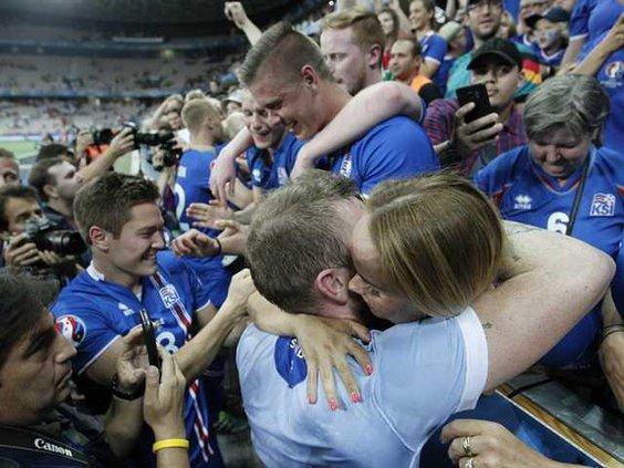 WEB NEW APTOPIX Soccer Euro 2 Heal 2