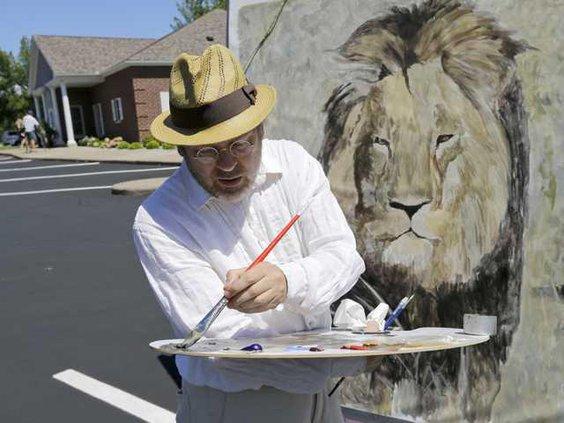 W Lion Killed Hunter Ledb