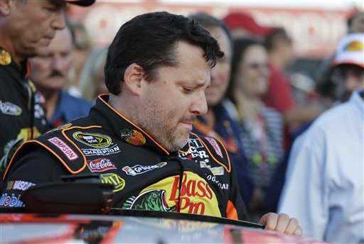 NASCAR In the Pits Au Heal WEB
