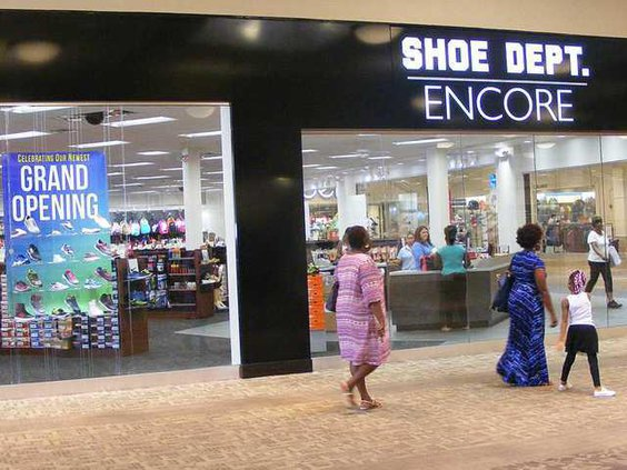 shoe dept in mall