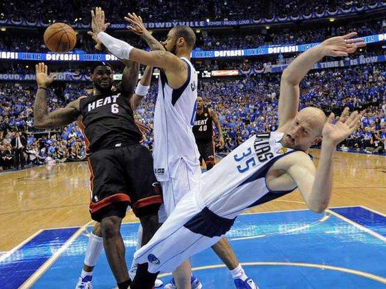 W NBA Finals Heat Maver Heal