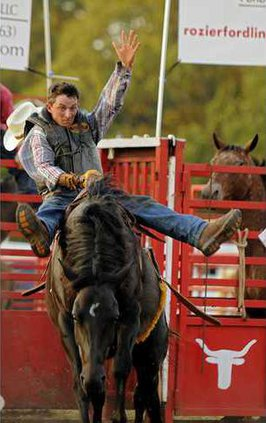 W 042712 RODEO 01
