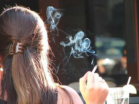 girl-smoking-cigarette
