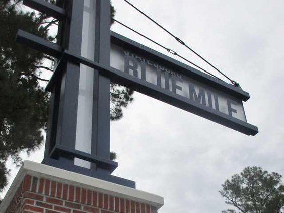 W Blue Mile SIGN 6023