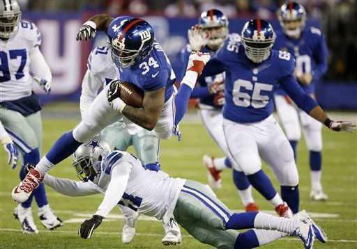 Cowboys Giants Footba Heal WEB