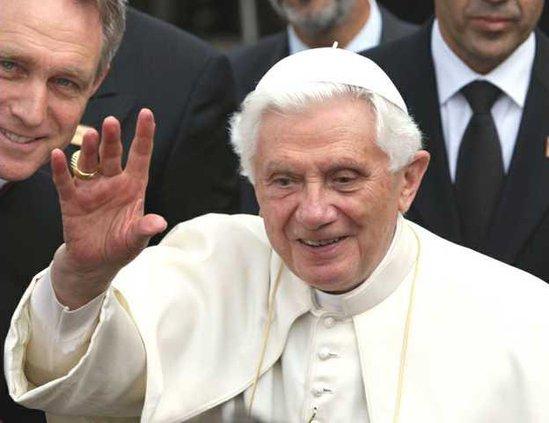 Britain Pope Heal
