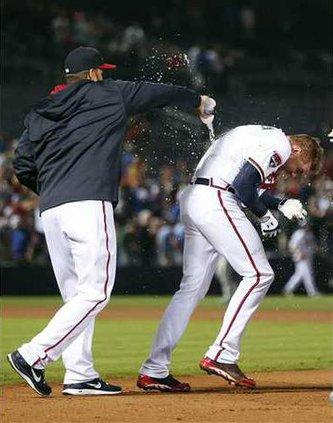 APTOPIX Cubs Braves B Heal WEB