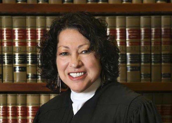WEB Sonia Sotomayor 7 in robe 2009