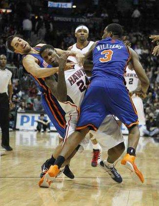 Knicks Hawks Basketba Heal