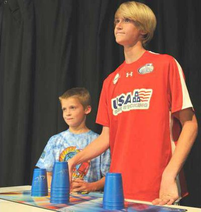 W Cup Stacking 03
