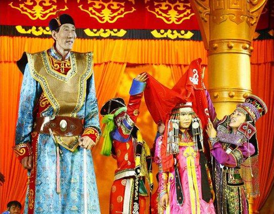 China Tallest Man W 6415508