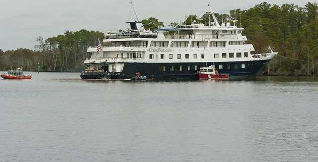 Stranded Cruise Shi 6132791