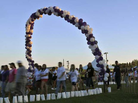 W 042911 RELAY FOR LIFE 02