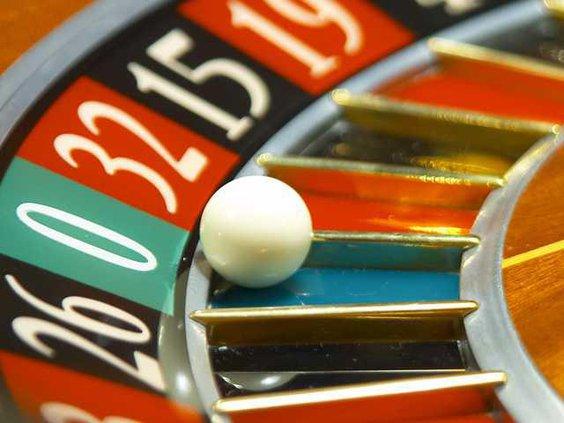 W Roulette wheel