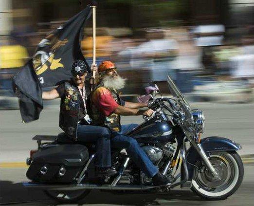 Harley Parade WIMG1 6194344