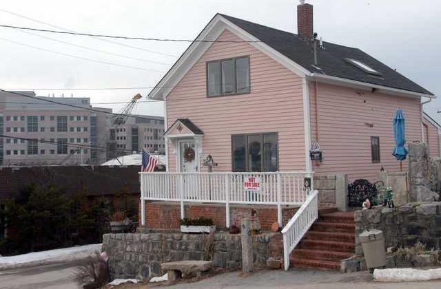 Seizing Property NY 8072960