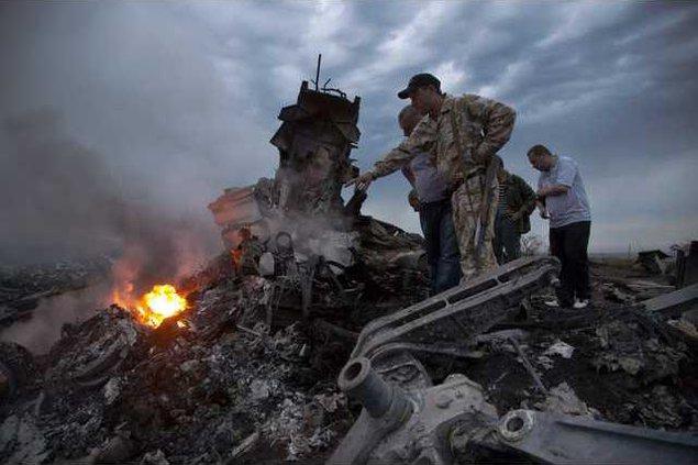 APTOPIX Ukraine Plane Ledb 1