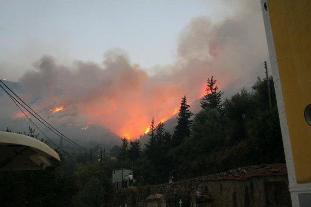 GREECE FIRES XDM802 5193972