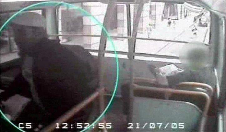 BRITAIN TERROR TRIA 5587658