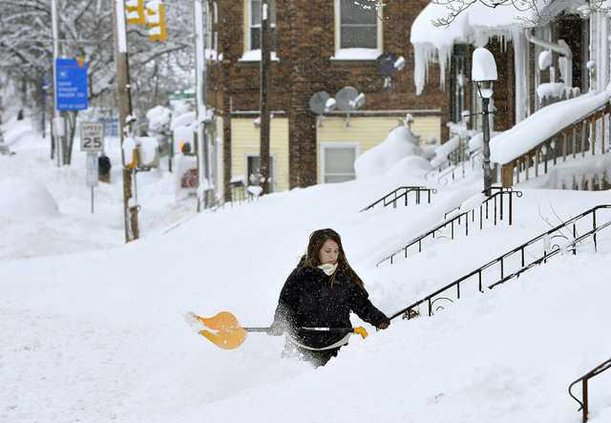 W Snow Shoveling Lead