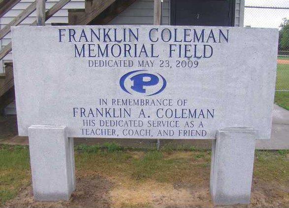 W Portal Memorials