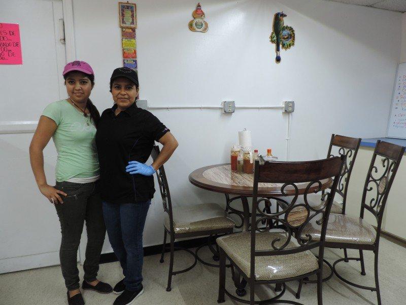 Las Dos Veronicas Valasco, Hija y Mama!