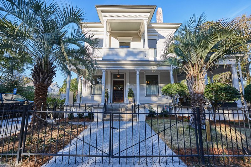 Common Thread is located within a charmingly refurbished Victorian house that was previously an antique store.