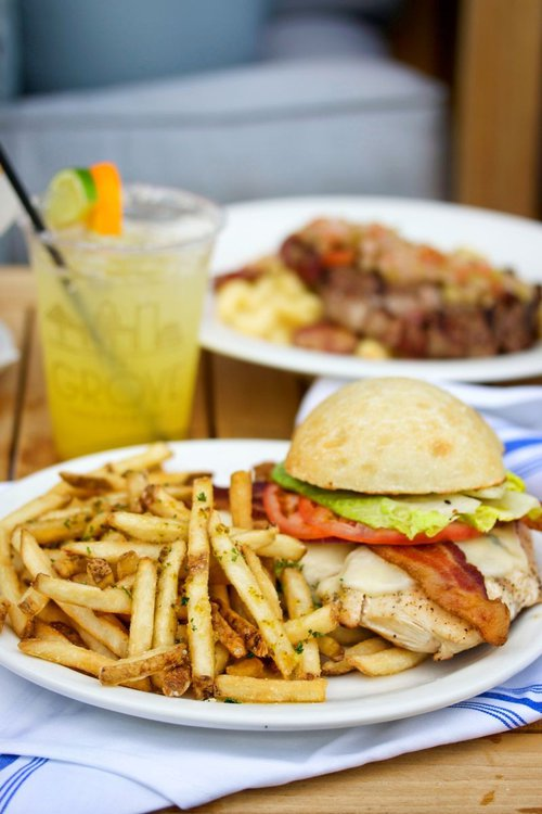 The Hudson: grilled chicken breast, smoked bacon, pesto aioli