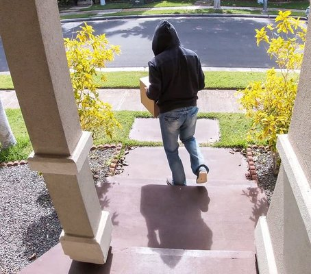 crimestoppers-package_theft.jpg