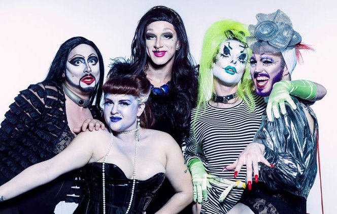 burlesque1-1.jpg