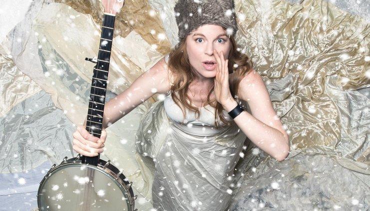 moirasmiley-snow-solo-banjo-hat-3mbcrop.jpg
