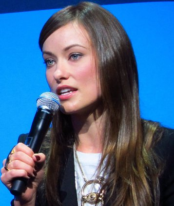 olivia_wilde_at_ces_2011_1_cropped_.jpg