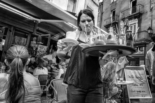 frazzled_waitress.jpg